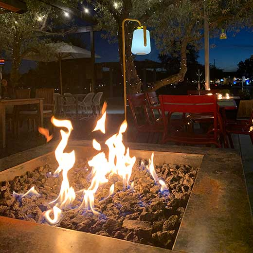 Indoor and outdoor dining in Napa